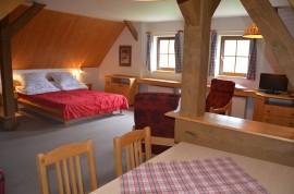 Apartmán č.2 – ložnice a společenský prostor