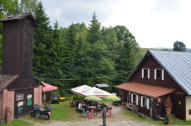restaurace a posezení penzion Liberta, cca 800m od chaty