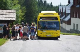 busem od Jilemnické boudy na Zlaté návrší, Vrbatova bouda