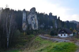 cesta ze skal k Zámku Adršpach